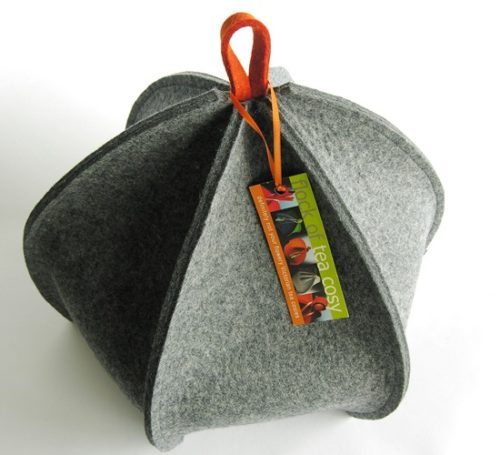 Expandable tea cozy in industrial wool felt