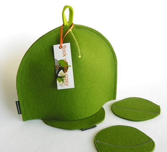 2-cup minimalist tea cosy in 100% wool felt moss green with trivet and two coasters